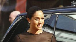 Meghan, vojvodkyňa zo Sussexu prišla oblečená v kreácii Jason Wu.