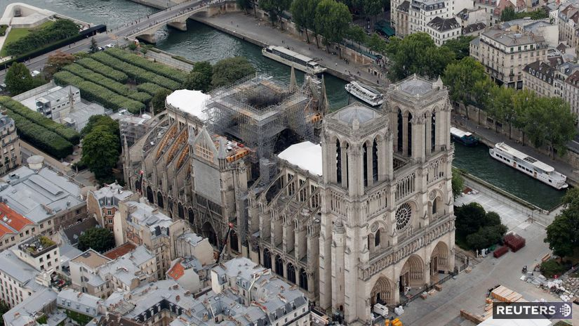 Notre-Dame / rekonštrukcia /