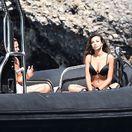 Herečka a modelka Madalina Ghenea na dovolenke v Portofine. Vľavo jej nový partner Vito Schnabel.