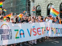 Z biskupov srší nenávisť voči gejom
