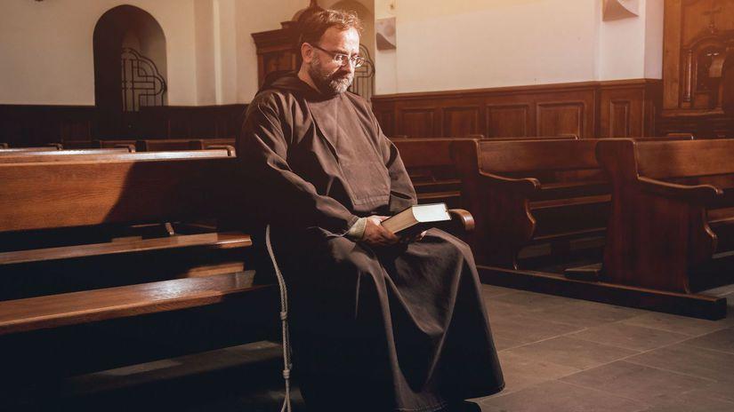mních, duchovný, kostol