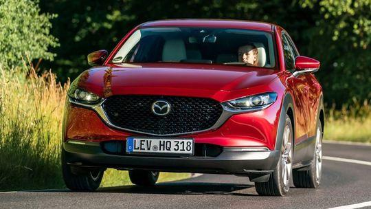 Mazda CX-30: Konečne vieme všetko. SUV-kupé príde aj s motorom Skyactiv-X
