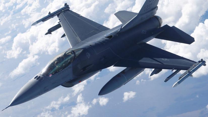 stíhačka / USA / F-16 /