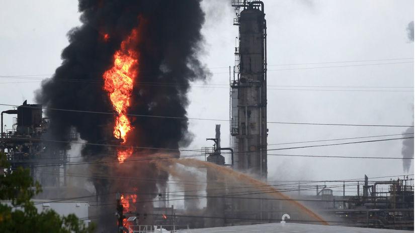 texas, USA, rafinéria, výbuch, požiar, továreň