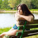 park, lavička, zamyslenie, invalid, žena,