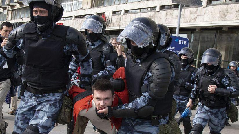 Rusko Moskva voľby demonštrácia demonštranti...