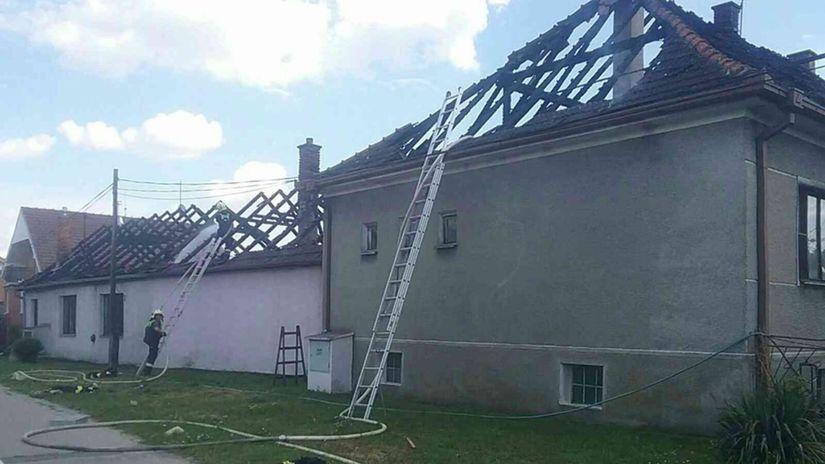 požiar, strecha