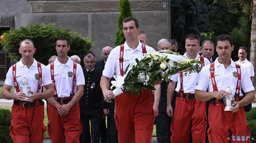 SR Handlová Deň bielych ruží spomienka TNX
