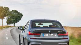 BMW-330e Sedan-2019-1024-3a