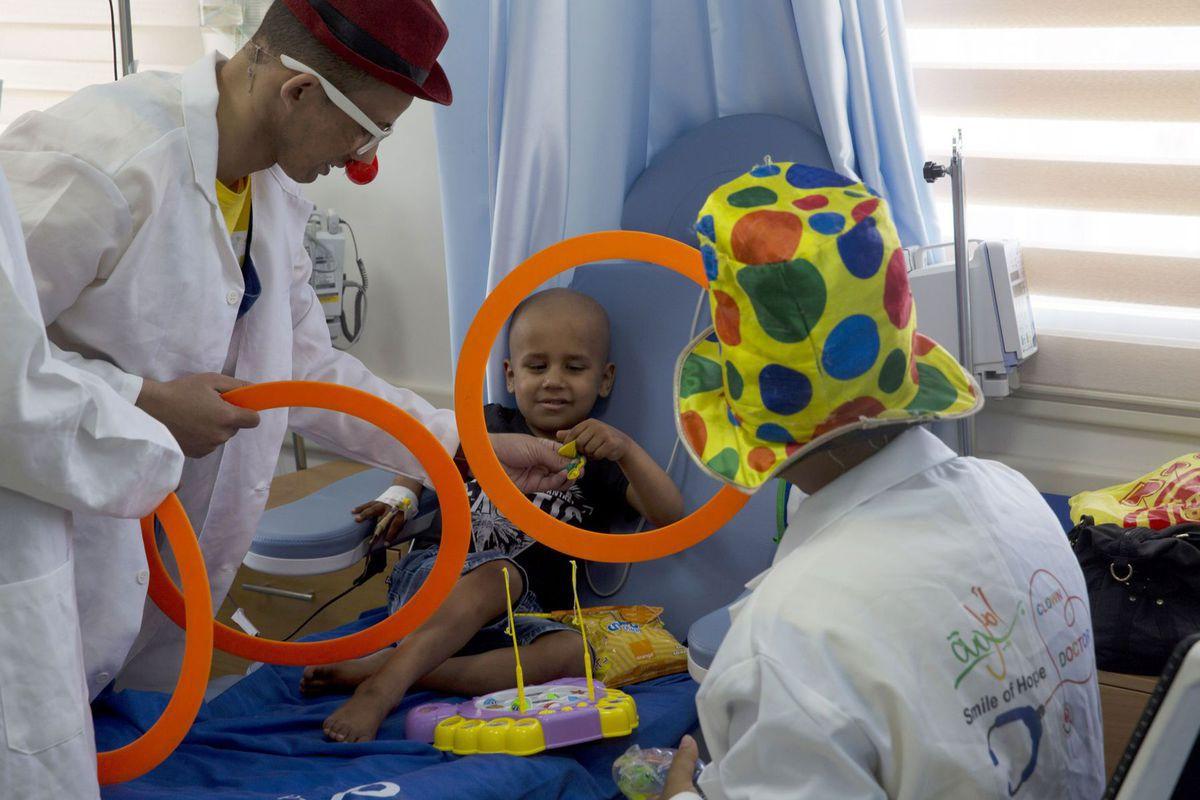 Palestína, nemocnica, dieťa, chorý, pacient, klauni