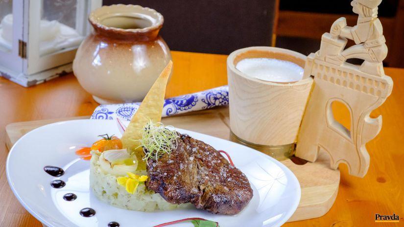 Steak Magura na bryndzovo-zemiakovej prílohe ku...