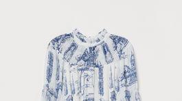 Vzorované šaty H&M s dlhým rukávom a golierikom. Predávajú sa za 49,99 eura.