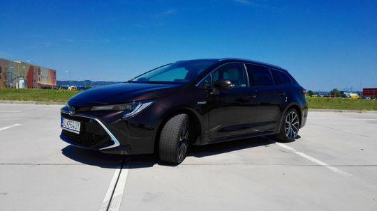 Test: Toyota Corolla Touring Sports 2.0 Hybrid – kombi viacerých tvárí