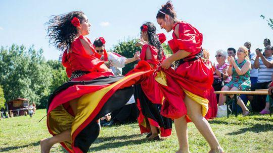 Čo majú spoločné Róm a Gadžo? Radi sa zabavia na Cigánskom bašaveli na Devíne