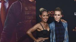 Herečky Jada Pinkett Smith (vľavo) a Piper Perabo spoločne na premiére filmu Angel has fallen.