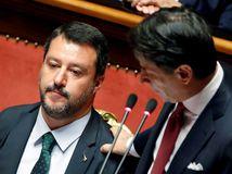 Salviniho sen o moci sa rozplýva