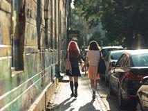 Útok v Piešťanoch pre sexuálnu orientáciu: napadnuté ženy sa boja ísť vypovedať