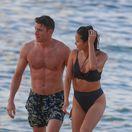 Ako z reklamy! Hollywoodski manželia vystavili ukážkové telá na Havaji