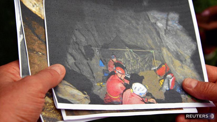 Poľsko / jaskyňa / záchranári /