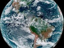 oblaky, zemegula, hurikány, satelitný záber