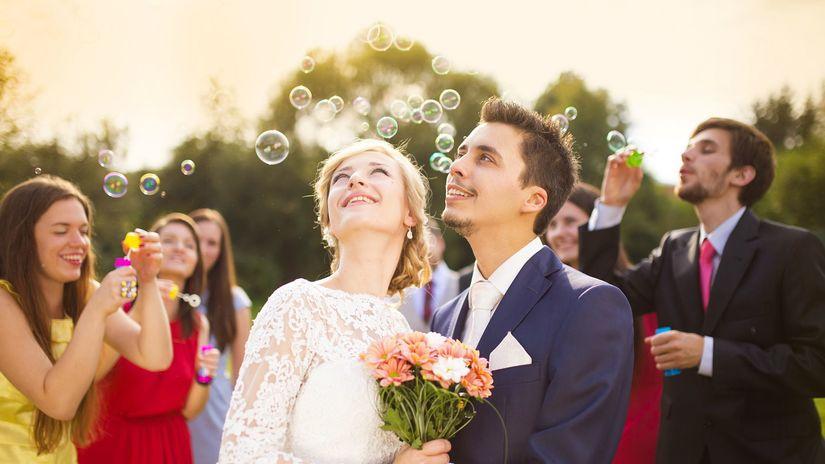 svadba, oslava, svadobčania, obrad, novomanželia,