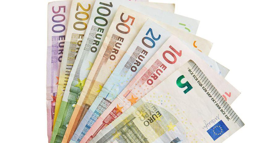 výplata, plat, mzda, peniaze, eurá,