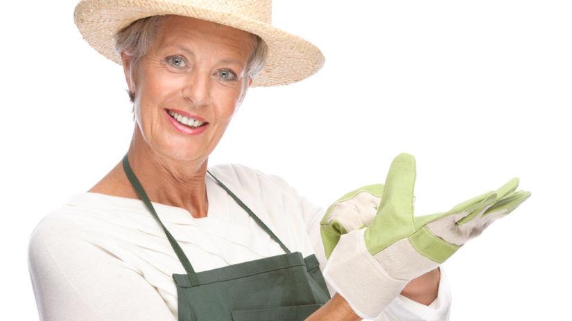 záhrada, seniori, dôchodkyňa, práca na záhrade,...