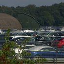 Mercedes-Benz - autá na letisku