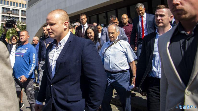 SR súdy poslanec extrémizmus strata mandát BAX