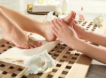 pedikúra, chodidlá, masáž nôh, nohy,