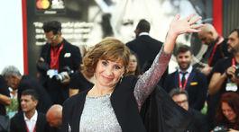 Herečka Ariane Ascaride prichádza na záverečný ceremoniál 76. ročníka filmového festivalu v Benátkach.