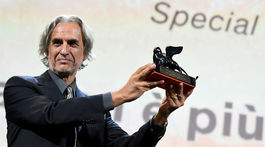 Režisér Franco Maresco s cenou Special Jury Prize.