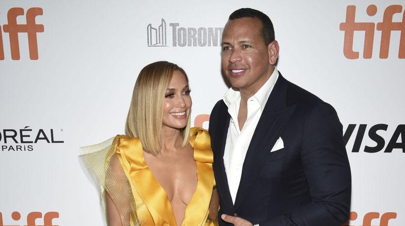Herečka Jennifer Lopez a jej snúbenec Alex...