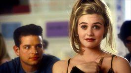 Herečka Alicia Silverstone na zábere z komédie Bezmocná (Clueless) z roku 1995.
