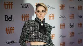 Kristen Stewart - nohavicový kostým