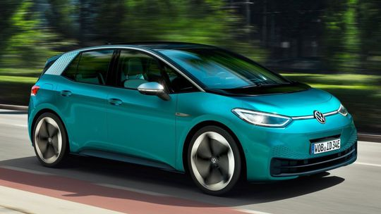 VW ID.3: 'Chrobák' budúcnosti je tu. Stáť má toľko, ako Golf