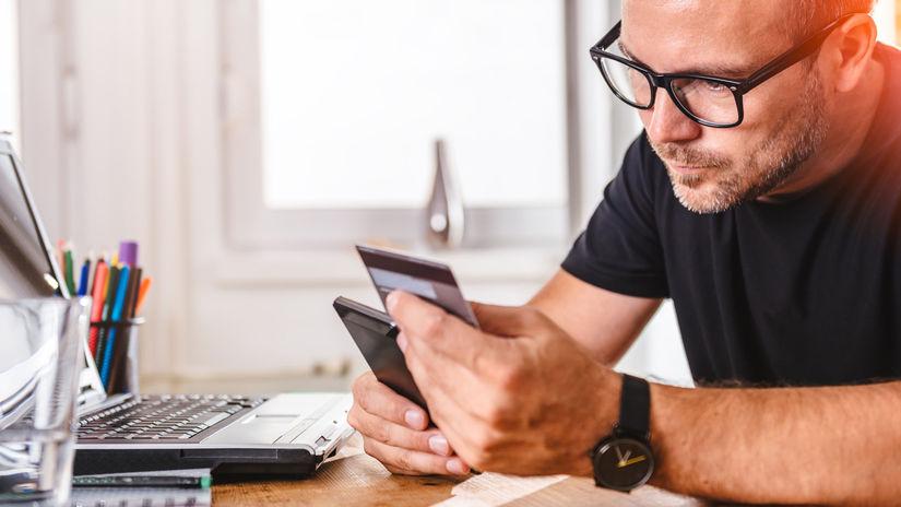 muž, mobil, notebook, počítač, reklamácia,...
