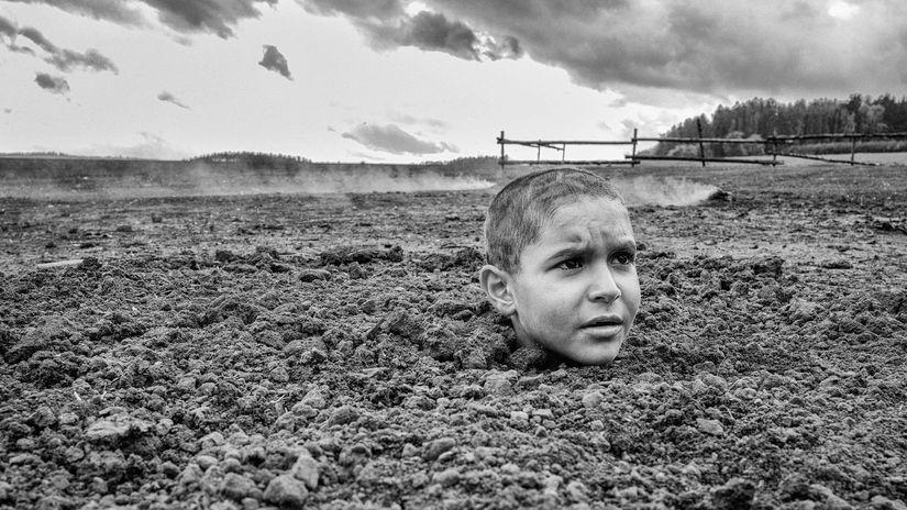 Herec Petr Kotlár na zábere z filmu Pomaľované...