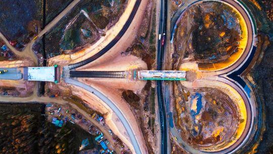 Rusi dokončili diaľnicu Moskva – Petrohrad. Vedie aj močiarmi