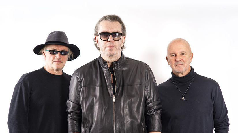 Hudobné trio (zľava) Michael Kocáb, Richard...