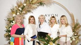Niekdajšie známe tváre z televíznych obrazoviek - hlásateľky (zľava) - Nora Beňačková, Alena Heribanová, Ada Straková, Soňa Müllerová a Emma Tekeylová.