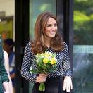 Oslňujúco elegantná Kate a špekulácie o jej tehotenstve? Tu je jej odpoveď