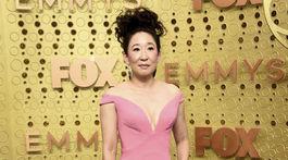 Nominovaná herečka Sandra Oh v šatách Zac Posen.