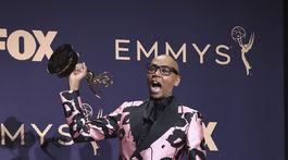 RuPaul si odniesol cenu Emmy za program RuPaul's Drag Race.