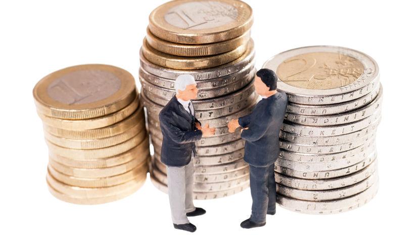peniaze, seniori, účet, úspory, financie,