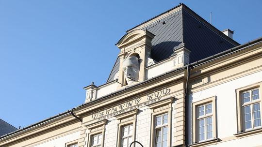 Ústavný súd súhlasil s väzbou pre Urbancovú a Lindtnera
