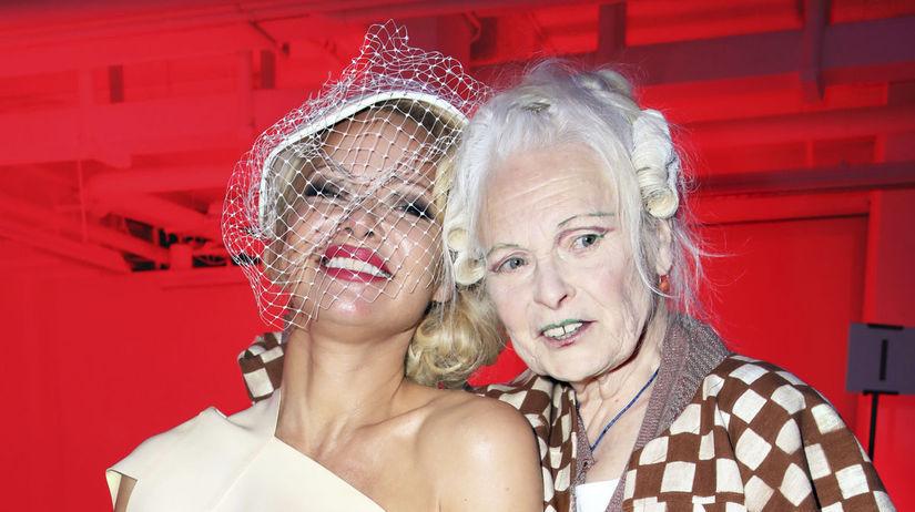 Herečka Pamela Anderson (vľavo) a dizajnérka...