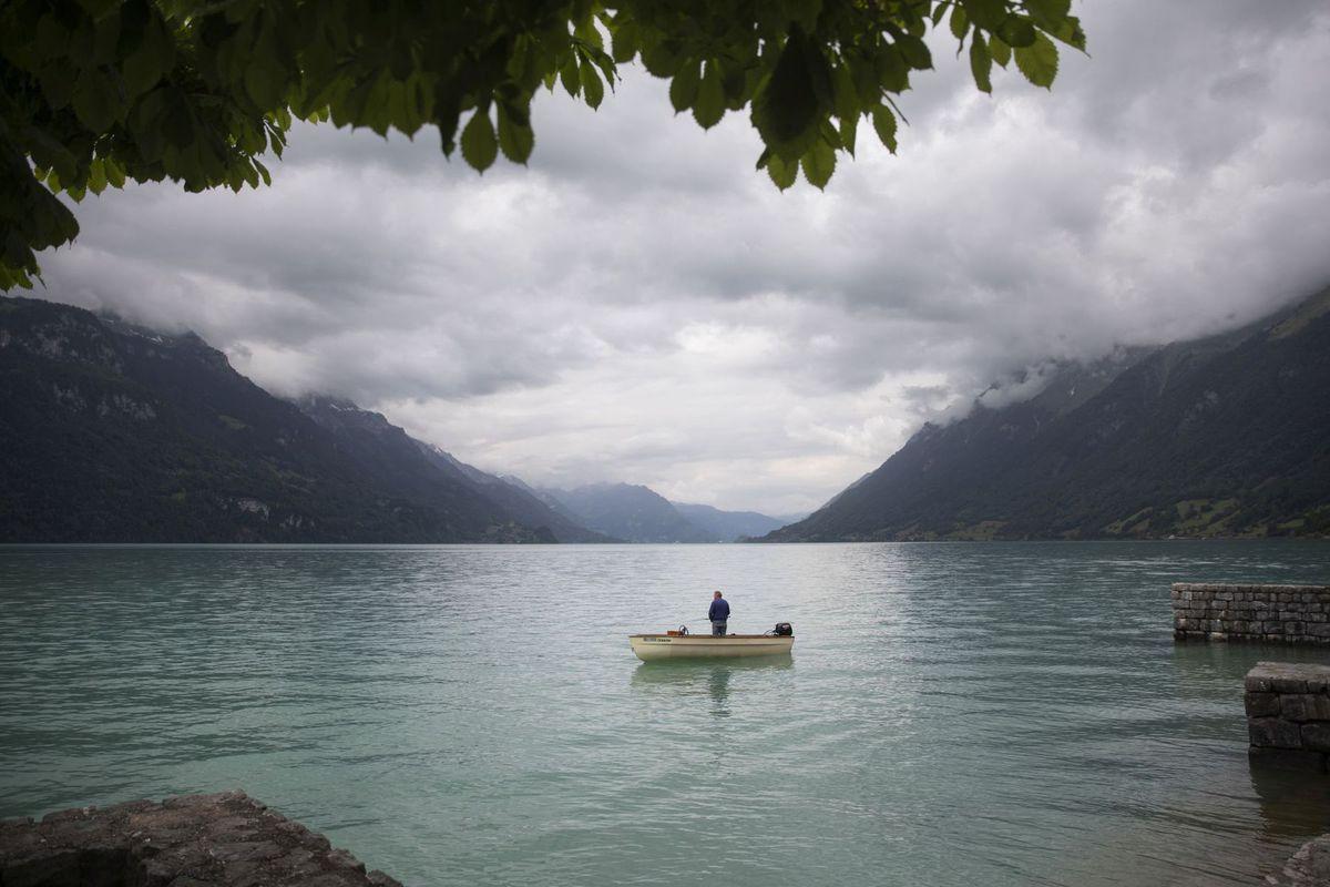 Švajčiarsko, jazero, rybár, rybolov,