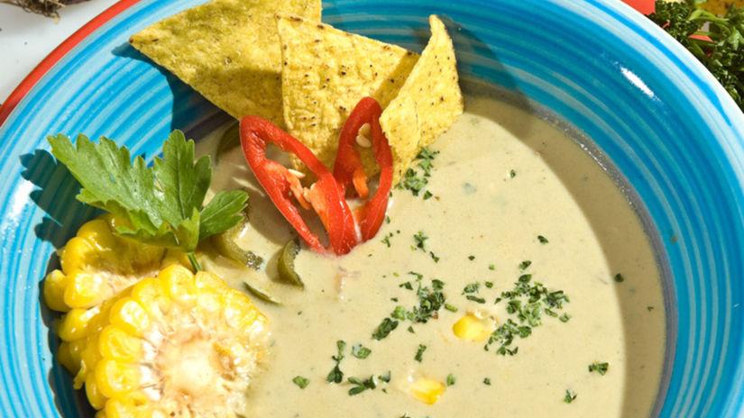 Mexická polievka z kukurice s paprikou