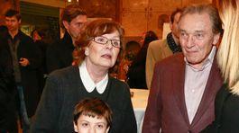 Herečka Evelyn Steimarová na zábere s Karlom Gottom, s ktorým tvorila pár začiatkom šesťdesiatych rokov.